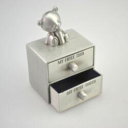 Baba szett, első fog, első hajtincs, macis (5x7,7x4,2cm, fém)