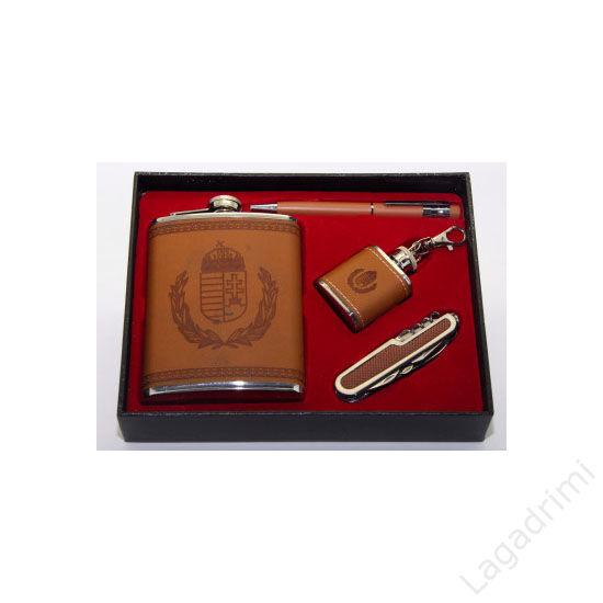 4 részes flaska szett műbör borítással - laposüveg, laposüveg kulcstartó, bicska, toll