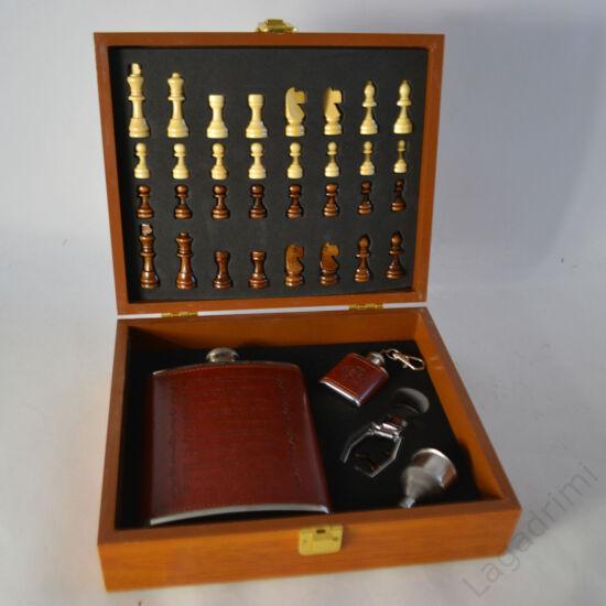 Fém laposüveg szett  (sakktábla dobozban)